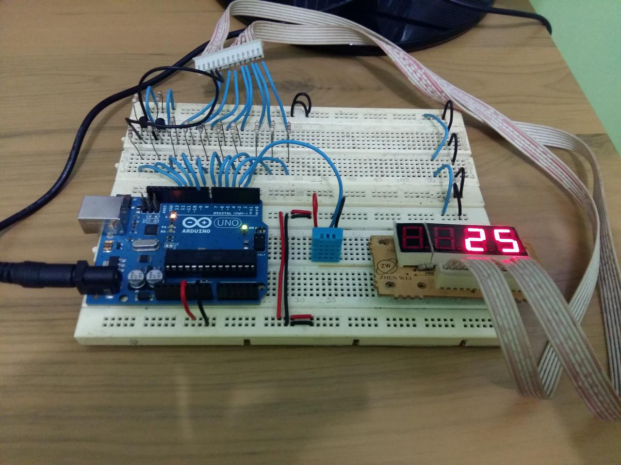 Display Temperature using a Seven Segment LED, an Arduino and a
